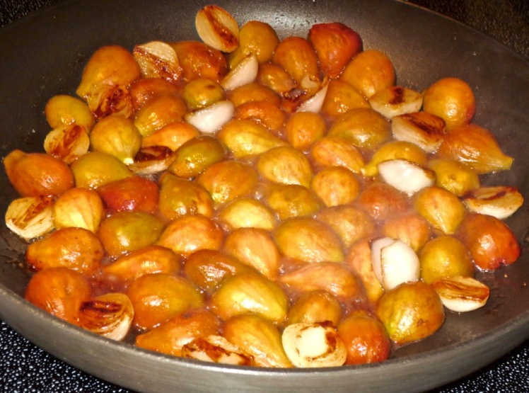 caramized figs and onions