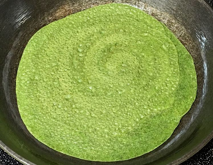spinach crepes with grape & pomelo sauce