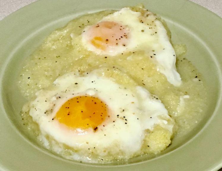 eggs & grits